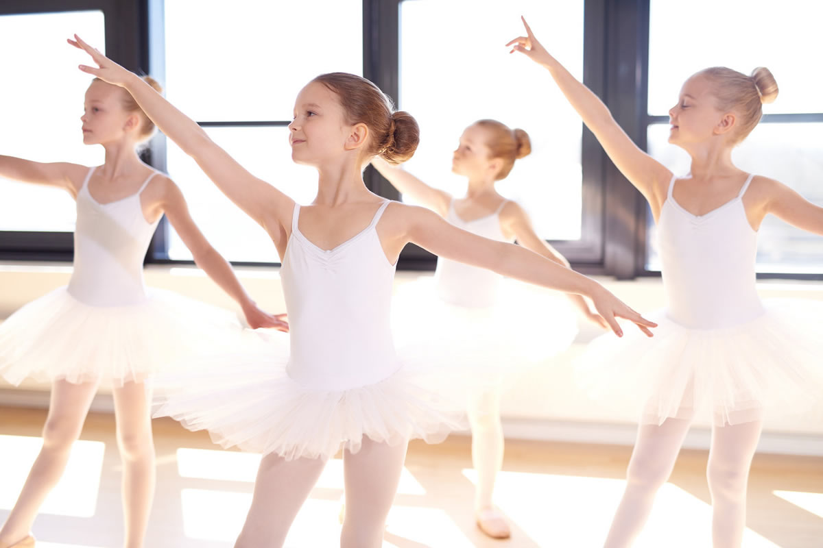 Advantages to Enrolling Your Child in a Dance Camp